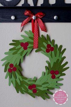 Christmas Crafts for Christmas Crafts for Kids to Make - 26 DIY Easy Decorations for Children. Are you looking for some fun and easy Christmas crafts for kids to make at home or in school? Save collection of DIY decorations to make with your children! Kids Crafts, Preschool Christmas Crafts, Christmas Crafts For Kids To Make At School, Childrens Christmas Crafts, Christmas Activities Ks2, Santa Crafts, Christmas Paper Crafts, Preschool Art, Toddler Crafts