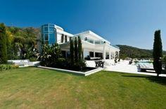 Impresionante Villa en Cascada de Camoján. Marbella, Malaga.   Lançois Doval