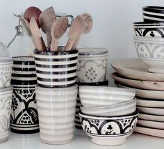 Marokkaans Aardewerk ❥ Decorating with Black and White
