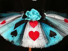 Modded Momma: Alice in Wonderland Tutu!