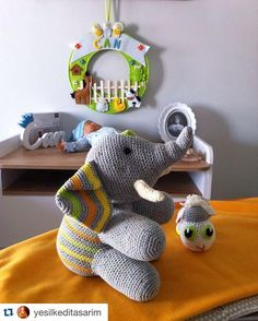 #Repost @yesilkeditasarim  Bebekler gelmeden oyuncaklarını hazır eden annelere selam olsun!  #amigurumi #crochet #handmade #orguoyuncak #moda #trend #anne #bebek #hediye #dogum #cocuk #istanbul #selfie #iyigeceler by annebabaorg