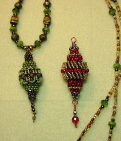 Bead weaving: Free Tutorial by Dottie Hoeschen
