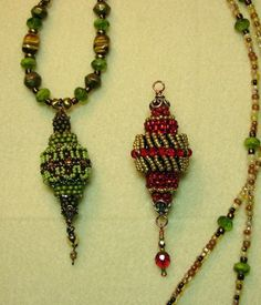 Bead weaving: Free Tutorial by Dottie Hoeschen