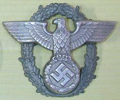 WWII German Police Cap Eagle Wreath Badge Ww2 Uniforms, German Uniforms, Luftwaffe, Uniform Insignia, Military Awards, German Helmet, German Police, Germany Ww2, Camouflage Patterns