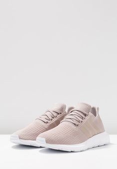 size 40 3ba92 879e7 adidas Originals SWIFT RUN - Baskets basses - vapour greyfootwear white -  ZALANDO.