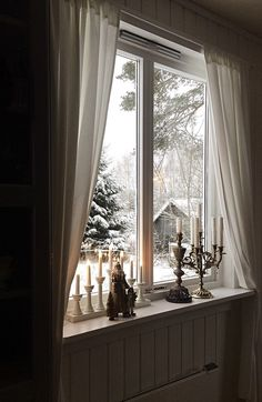 Landlig interiør, vindu, adventsstake, messing, lysestake, snø, window, brass, christmas, candles, snow Curtains, Country, House, Home Decor, Blinds, Decoration Home, Rural Area, Home, Room Decor
