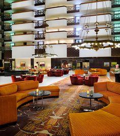 Disfruta de unos tragos aquí antes de salir a cenar. Riyadh Marriott Hotel en Arabia Saudita  #SaudiArabia