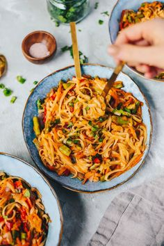 Easy Vegan Coconut Curry Noodle Bowls Easy Vegan Coconut Curry Noodle Bowls- a great meatless dinner idea! Healthy Weeknight Dinners, Vegan Dinners, Whole Food Recipes, Cooking Recipes, Cooking Tips, Dinner Recipes, Curry Noodles, Rice Noodles, Vegetarian Recipes