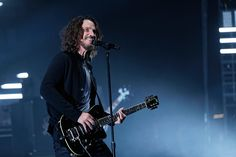 . Soundgarden at The Fox Theatre in  Detroit on 5-17-17.  Photo credit: Ken Settle
