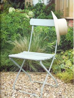 Paintbrush and Pearls: Painting Outdoor Furniture with Chalk Paint®