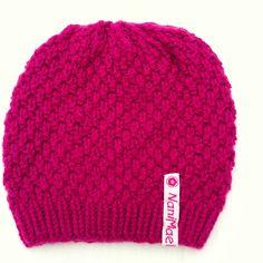 """""""Emma"""" - pink   Stylishe handgestrickte Hauben mit viel Liebe zum Detail - jedes Stück ein Unikat. Alle Mützen sind zu 100% handgemacht! Das perfekte Weihnachtsgeschenk für deine Lieben :-) Bunt, Knitted Hats, Beanie, Knitting, Fashion, Hoods, Headband Bun, Seasons Of The Year, Christmas Presents"""