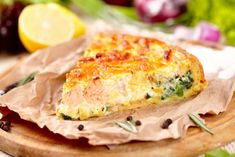 Porque se pueden combinar un montón de ingredientes, aquí tienes la quiché de puerros y salmón ¡mmmmm!  #recetasfaciles #comoprepararquiche #recetasdequiche #quichedepuerros #quichedepuerrosysalmon