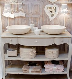 jolie d coration salle de bain shabby chic d corations. Black Bedroom Furniture Sets. Home Design Ideas