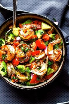 Easy Shrimp Avocado Salad with TomatoesYou can find Best shrimp recipes for dinner and more on our website.Easy Shrimp Avocado Salad with Tomatoes Shrimp Avocado Salad, Avocado Salat, Seafood Salad, Best Shrimp Recipes, Shrimp Recipes For Dinner, Healthy Dinner Recipes, Sea Food Salad Recipes, Avocado Salad Recipes, Healthy Salads