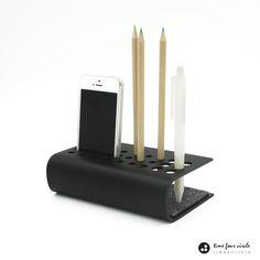 iPhone Xs iPhone XR iPhone SE stand iPhone Pen Holder Pencil Holder Organizer Desk System Modern And Minimalist - Phone Holder For Hand - Ideas of Phone Holder - Organizer Desk System Modern And Minimalist iPhone SE 5 stand stand Pen Iphone Se, Iphone S6 Plus, Iphone Stand, Desk Phone Holder, Iphone Holder, Minimalist Phone, Minimalist Office, Tole Pliée, Industrial Design Furniture
