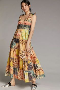 Wondering what to wear to a spring wedding? We've got all the 2021 trends and 50 spring wedding guest dresses to get you started. Die Geisha, Bohemian Style Dresses, Boho Outfits, Models, Unique Dresses, Pretty Dresses, Beautiful Dresses, 50 Fashion, Luxury Fashion