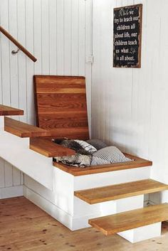 Storage compartment under stairs. Think of the potential Storage compartment under stairs. Think of the potential Tiny House Stairs, Loft Stairs, Open Stairs, Staircase For Small Spaces, Under Staircase Ideas, Stair Landing Decor, Staircase Storage, Rustic Stairs, Escalier Design