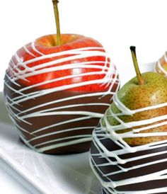 chocolate dipped apples and pears  http://rstyle.me/n/skpfspdpe