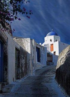 Greek Beauty ! Santorini Island !