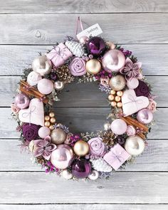 Awesome 33 Excellent Apartment Design Ideas With Ornament Christmas Classy Christmas, Purple Christmas, Christmas Holidays, Christmas Crafts, Christmas Ornaments, Rose Gold Christmas Decorations, Xmax, Diy Weihnachten, Holiday Wreaths