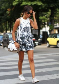 For summer you NEED a paire of white CONVERSE ! Wear it with a dress or your denim shorts ! Perfect !