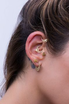 Unique Ear-Piercing Set, made of Solid Yellow Gold, Indian Style Piercing Je. - Unique Ear-Piercing Set, made of Solid Yellow Gold, Indian Style Piercing Jewelry for the Earlo - Daith Earrings, Cartilage Jewelry, Gold Hoop Earrings, Bridal Earrings, Piercing Daith, Unique Ear Piercings, Gold Nose Stud, Gold Set, Diamond Studs