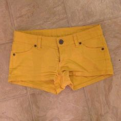 yellow short shorts - great condition - not high waisted - NO TRADES SORRY - FINAL PRICE Shorts