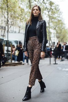 Paris Fashion Week Street Style Spring 2018 Day 3 Cont.