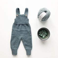 Knitting For Kids, Baby Knitting Patterns, Baby Patterns, Stitch Patterns, Baby Overalls, Baby Pants, Diy Knitting Projects, Knitted Baby Clothes, Baby Girl Blankets