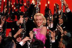 "Marilyn Monroe sang ""Dimonds are girl's best friend"" in 'Gentlemen prefer blondes' (1953)."
