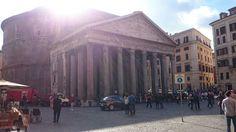 El pantheon de Agripa o de Roma es un temple de planta circular, fet per Adriano entre els anys 118 i 125 d.C
