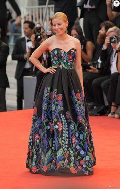 Elizabeth Banks - Tapis rouge du film Black Mass (Strictly Criminal) lors du 72ème festival du film de Venise (la Mostra), le 4 septembre 2015.