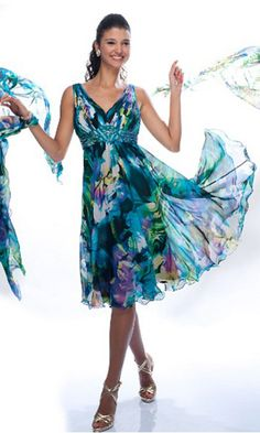 Shop for long prom dresses and formal evening gowns at Simply Dresses. Short casual graduation party dresses and long designer pageant gowns. Mob Dresses, Trendy Dresses, Nice Dresses, Casual Dresses, Formal Dresses, Formal Prom, Mother Of Groom Dresses, Bride Groom Dress, Mothers Dresses