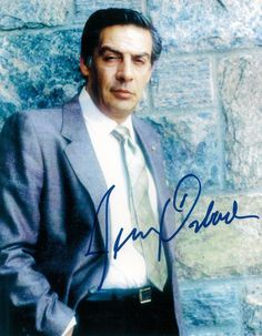 """Jerry Orbach: Jerome Bernard """"Jerry"""" Orbach was an American actor and singer, known for his screen roles in Dirty Dancing, and his starring role as Detective Lennie Briscoe in Law & Order. Photography Movies, Law And Order, Hollywood Icons, American Actors, Star Show, Tv Series, Singer, Celebrities, Hollywood Rock"""