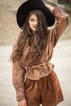 All brown leather outfit! Bohemian leather jacket and velvet leather shorts Leather Shorts, Leather Jacket, Brown Leather, Hipster, Bohemian, Velvet, Jackets, Outfits, Shopping