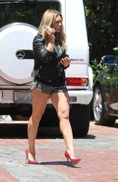 Hilary Duff – outside Stella McCartney Store in Beverly Hills, Hilary Duff Style, Hilary Duff Legs, Sexy Legs And Heels, Sexy High Heels, Great Legs, Nice Legs, Vicky Justice, Famous Women, The Duff