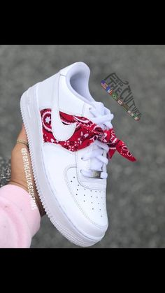 Pin by clarissa on sneakers in 2019 shoe boots, nike shoes, Jordan Shoes Girls, Girls Shoes, Ladies Shoes, Shoes Women, Nike Shoes Men, Nike Shoes Outfits, Girls Sandals, Moda Sneakers, Sneakers Nike