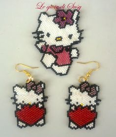 Kitty ve kızları Seed Bead Patterns, Peyote Patterns, Jewelry Patterns, Beading Patterns, Hello Kitty Crafts, Hello Kitty Items, Seed Bead Crafts, Beadwork Designs, Beaded Animals