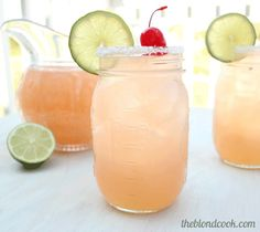 These cherry beer margaritas sound delicious! 12 ounce can of frozen limeade 12 ounces of cherry flavored soda Your favorite tequila Your favorite beer Kosher salt Limes & cherries Summer Cocktails, Cocktail Drinks, Cocktail Recipes, Alcoholic Drinks, Beverages, Sangria Drink, Virgin Cocktails, Apple Sangria, Lemonade Cocktail