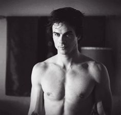Shirtless Damon. Damn. Never gets old.