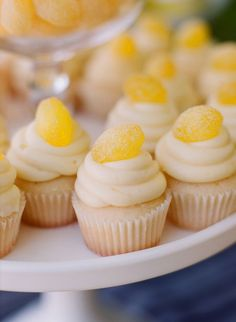 Super cute toppers for these mini-cupcakes #cupcakes #yellow