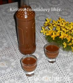 Fotorecept: Kávovo-čokoládový likér Alcoholic Drinks, Beverages, Hot Sauce Bottles, Destiel, Nutella, Smoothie, Drinking, Food And Drink, Pudding