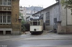 Linie 22 - DIE Tram des Leipziger Ostens und Südens, die als einzige nicht im Zentrum Leipzigs vorbeikam. Strecke: (Thekla – Mockau –) Schönefeld – Reudnitz – Prager Straße – Connewitz, Kreuz – Dölitz.