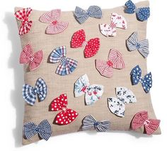 , or make with butterflies from the Clover butterfly yo-yo maker Pillow Crafts, Fabric Crafts, Sewing Crafts, Sewing Projects, Cute Pillows, Baby Pillows, Throw Pillows, Cushion Cover Designs, Cushion Covers