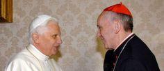 Le pape François rencontre son prédécesseur Benoît XVI