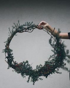 couronne noel diy végétale Diy Party, Christmas Wreaths, Parties, Holiday Decor, Crowns, Fiestas, Holiday Burlap Wreath, Fiesta Party, Holidays