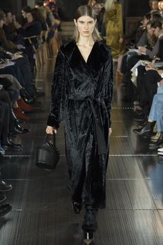 See the complete Gabriela Hearst Fall 2017 Ready-to-Wear collection.