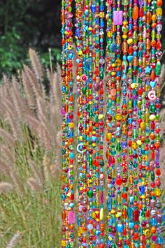 Inspirational tips that we are fond of! Hanging Door Beads, Boho Wall Hanging, Crystals And Gemstones, Crystal Beads, Glass Beads, Crystal Lights, Cortina Boho, Curtains Made To Order, Beaded Door Curtains