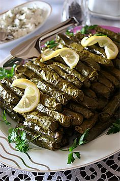 Turkish stuffed vine leaves - Dolma or Sarma (in Izmir) Armenian Recipes, Lebanese Recipes, Turkish Recipes, Greek Recipes, Stuffed Grape Leaves, Egyptian Food, Eastern Cuisine, Middle Eastern Recipes, Arabic Food