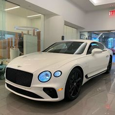 View dozens of photo galleries filled with of new models, concept cars, best selling autos on luxury auto designs and more . Bentley Auto, Bentley Motors, Luxury Sports Cars, Top Luxury Cars, Sport Cars, Bentley Continental Gt, Car Goals, Fancy Cars, Top Cars